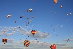 πέταγμα μπαλονιών Στοκ εικόνες με δικαίωμα ελεύθερης χρήσης