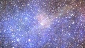 Πέταγμα στο διάστημα μεταξύ των αστεριών απεικόνιση αποθεμάτων