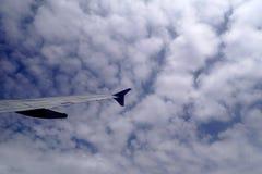 Πέταγμα υψηλό επάνω στον ουρανό Στοκ φωτογραφία με δικαίωμα ελεύθερης χρήσης