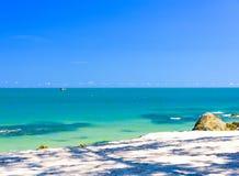 Πέτρα άμμου παραλιών θάλασσας στοκ φωτογραφία με δικαίωμα ελεύθερης χρήσης
