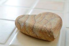 Πέτρα μορφής καρδιών για skin spa Στοκ Εικόνες