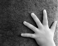 πέτρα χεριών στοκ εικόνα με δικαίωμα ελεύθερης χρήσης