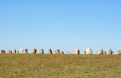 Πέτρες αγγλικής μπύρας στο νότο της Σουηδίας στοκ εικόνες