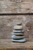 πέτρες ανασκόπησης ξύλινε&s Στοκ φωτογραφίες με δικαίωμα ελεύθερης χρήσης