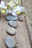 Πέτρες και orchid SPA Στοκ φωτογραφία με δικαίωμα ελεύθερης χρήσης