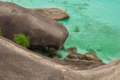 Πέτρες κυμάτων θάλασσας Στοκ εικόνα με δικαίωμα ελεύθερης χρήσης