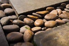 Πέτρες με το σκυρόδεμα Στοκ Εικόνες