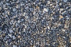 Πέτρες παραλιών στο φως θερινής ανατολής Στοκ εικόνες με δικαίωμα ελεύθερης χρήσης