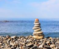 πέτρες πυραμίδων παραλιών Στοκ εικόνα με δικαίωμα ελεύθερης χρήσης