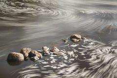 Πέτρες στον ποταμό Στοκ φωτογραφία με δικαίωμα ελεύθερης χρήσης