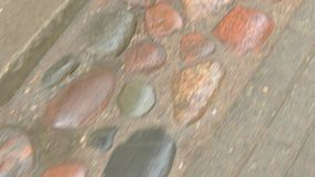 Πέτρες στο δρόμο απόθεμα βίντεο