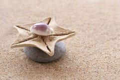 Πέτρες της Zen, άμμος Στοκ φωτογραφία με δικαίωμα ελεύθερης χρήσης
