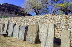 Πέτρες των χορευτών στο Plaza σε Monte Alban Ruins σε Oaxa Στοκ φωτογραφία με δικαίωμα ελεύθερης χρήσης