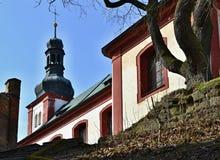 Πέτρινα σκαλοπάτια στην εκκλησία Στοκ εικόνες με δικαίωμα ελεύθερης χρήσης