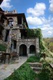 Πέτρινη αρχιτεκτονική κτηρίων από Paleo Panteleimonas Ελλάδα Στοκ Φωτογραφίες