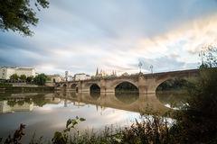 Πέτρινη γέφυρα σε Logroño Στοκ Φωτογραφία
