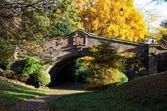 Πέτρινη γέφυρα σε Wirral Στοκ Εικόνες