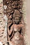 Πέτρινη γλυπτική λεπτομέρειας Apsara στο ναό Στοκ εικόνα με δικαίωμα ελεύθερης χρήσης