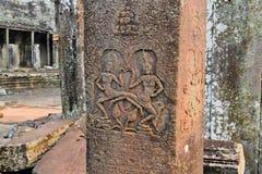 Πέτρινη γλυπτική χορευτών Apsara σε Angkor Wat Στοκ Εικόνα