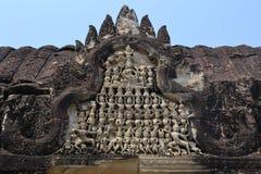 Πέτρινη γλυπτική χορευτών Apsara σε Angkor Wat Στοκ Φωτογραφία
