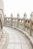 Πέτρινη διάβαση πεζών γύρω από το μεγάλο Βούδα Χογκ Κογκ Στοκ Εικόνες