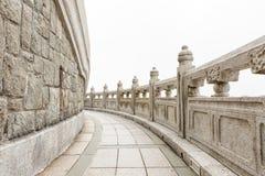 Πέτρινη διάβαση πεζών γύρω από το μεγάλο Βούδα Χογκ Κογκ Στοκ εικόνα με δικαίωμα ελεύθερης χρήσης