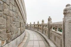 Πέτρινη διάβαση πεζών γύρω από το μεγάλο Βούδα Χογκ Κογκ Στοκ φωτογραφίες με δικαίωμα ελεύθερης χρήσης