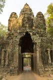 Πέτρινη πύλη Angkor Thom, περιοχή κληρονομιάς της ΟΥΝΕΣΚΟ στην Καμπότζη Στοκ εικόνα με δικαίωμα ελεύθερης χρήσης