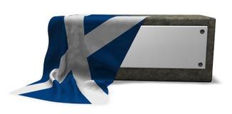 Πέτρινη υποδοχή με το κενές σημάδι και τη σημαία της Σκωτίας ελεύθερη απεικόνιση δικαιώματος