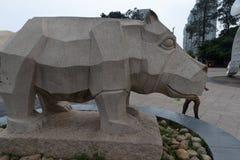 Πέτρινη χάραξη ρινόκερος-Stone Στοκ Εικόνες