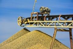 Πέτρινος θραυστήρας & αμμοχάλικο στοκ φωτογραφία με δικαίωμα ελεύθερης χρήσης