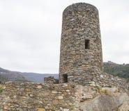 Πέτρινος πύργος επιφυλακής με τις πολεμίστρες Στοκ εικόνα με δικαίωμα ελεύθερης χρήσης