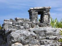 Πέτρινος πύργος των Μάγια σε σύνθετο Tulum Στοκ Φωτογραφία