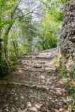 Πέτρινος δρόμος που οδηγεί στο μεσαιωνικό κάστρο Marostica, Ιταλία Στοκ Φωτογραφίες