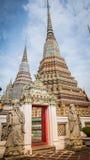 Πέτρινος Ταϊλανδός - κινεζικό γλυπτό ύφους και ταϊλανδική αρχιτεκτονική τέχνης στο ναό Wat Phra Chetupon Vimolmangklararm (Wat Ph Στοκ εικόνα με δικαίωμα ελεύθερης χρήσης