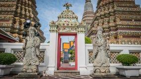 Πέτρινος Ταϊλανδός - κινεζικό γλυπτό ύφους και ταϊλανδική αρχιτεκτονική τέχνης στο ναό Wat Phra Chetupon Vimolmangklararm (Wat Ph Στοκ Φωτογραφία