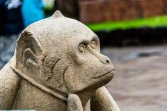 Πέτρινο άγαλμα Lopburi Ταϊλάνδη πιθήκων Στοκ Φωτογραφίες