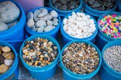 Πέτρινο αμμοχάλικο για τη διακόσμηση στο ενυδρείο στοκ εικόνα