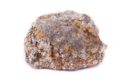 Πέτρινο μακρο μετάλλευμα arsenopyrite σε ένα άσπρο υπόβαθρο Στοκ εικόνες με δικαίωμα ελεύθερης χρήσης