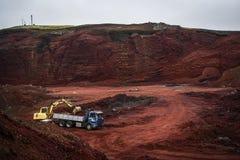 Πέτρινο ορυχείο της κόκκινης πέτρας στην Ισλανδία Στοκ Φωτογραφία