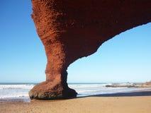 Πέτρινο τόξο στην παραλία Legzira στοκ εικόνα με δικαίωμα ελεύθερης χρήσης