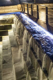 Πέφτοντας απότομα προκυμαία της Βοστώνης νερού Στοκ εικόνες με δικαίωμα ελεύθερης χρήσης