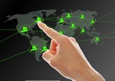 πίεση δικτύων χεριών κουμπιών κοινωνική Στοκ φωτογραφία με δικαίωμα ελεύθερης χρήσης