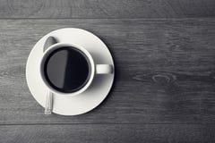 πίνακας αγάπης χεριών φλυτζανιών καφέ Στοκ εικόνα με δικαίωμα ελεύθερης χρήσης