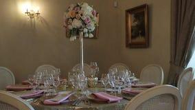 Πίνακας γαμήλιου PWedding στις διακοσμήσεις αιθουσών συμποσίου για τη νύφη Bijouterie, τις κορδέλλες, τις διακοσμήσεις σατέν και  απόθεμα βίντεο