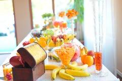 Πίνακας γαμήλιων φρούτων Στοκ φωτογραφία με δικαίωμα ελεύθερης χρήσης