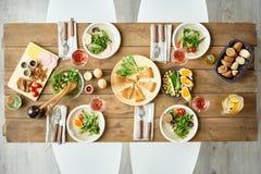 Πίνακας γευμάτων στον καφέ στοκ φωτογραφία με δικαίωμα ελεύθερης χρήσης