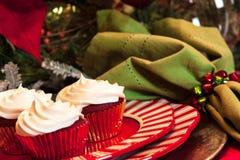 Πίνακας γευμάτων Χριστουγέννων με το επιδόρπιο Στοκ Εικόνες