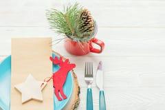 Πίνακας γευμάτων Χριστουγέννων που θέτει στο άσπρο υπόβαθρο Στοκ φωτογραφίες με δικαίωμα ελεύθερης χρήσης