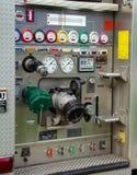 Πίνακας ελέγχου πυροσβεστικών αντλιών πυροσβεστών στοκ φωτογραφία